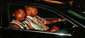 Tupac ujíždí vstříc smrti